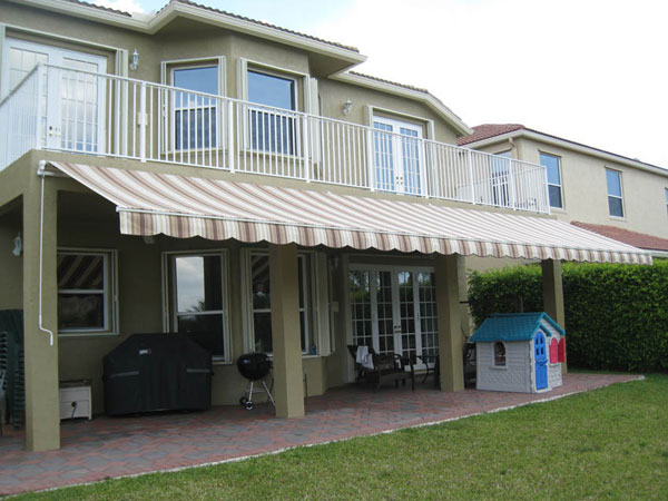 How To Choose And Work Retractable Awnings