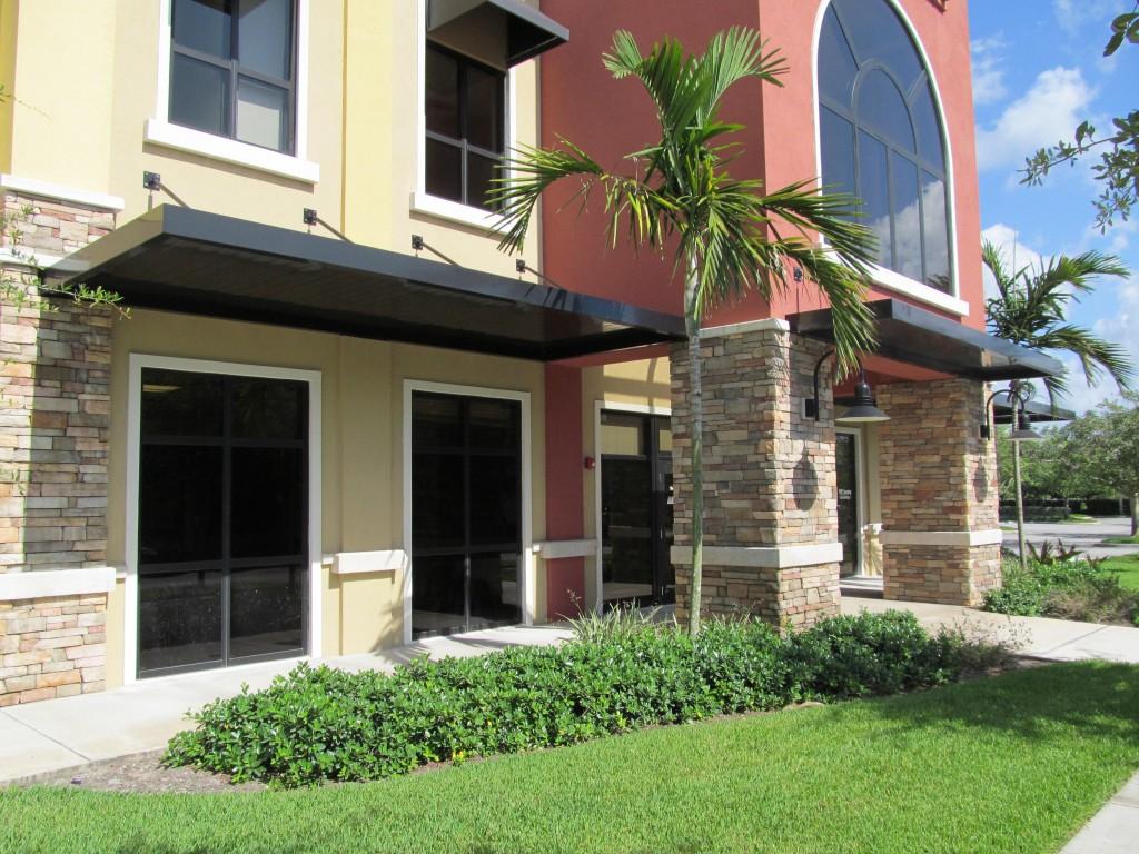 Hoover-Architectual-Products-Vinyl-Awning-Fabris-Palm-Beach-FL-1024x768.jpg