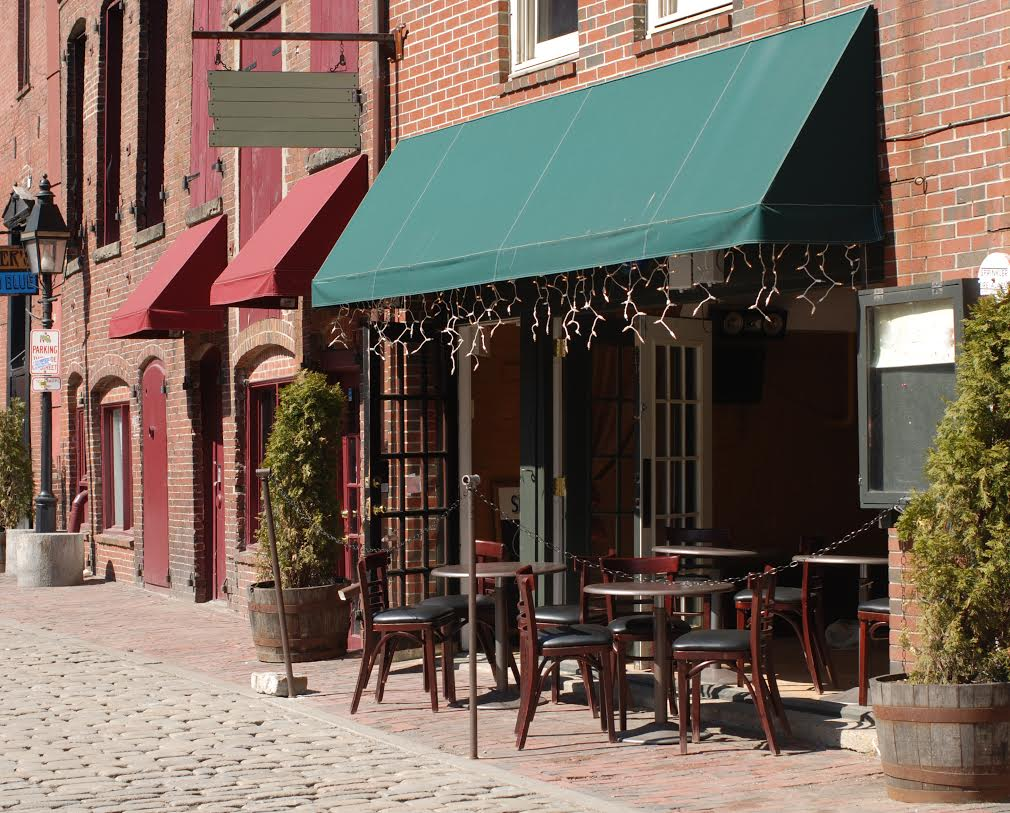 what can a commercial awning do for my restaurant