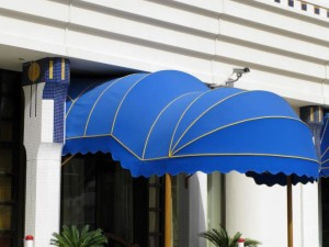 awning in shape