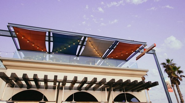 Three Types of Commercial Awnings