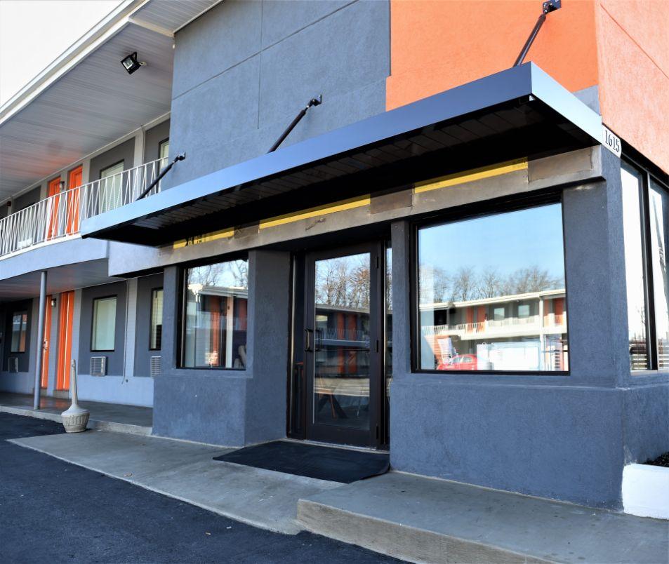 022018-570-budget-moter-motel-2.jpg