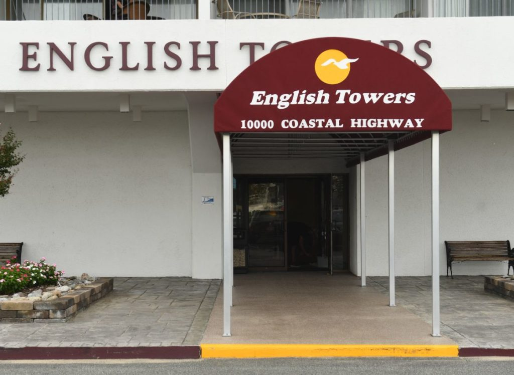 091118-059-english-towers-2-1024x748.jpg