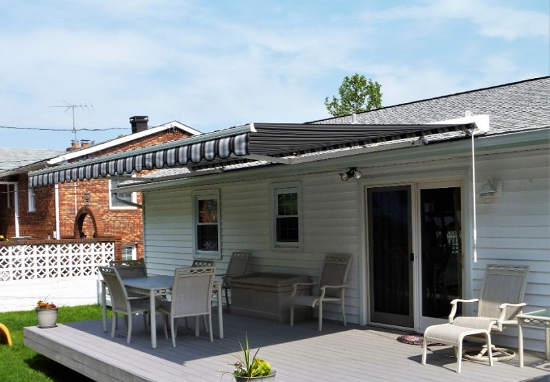 benefits of a new retractable awning